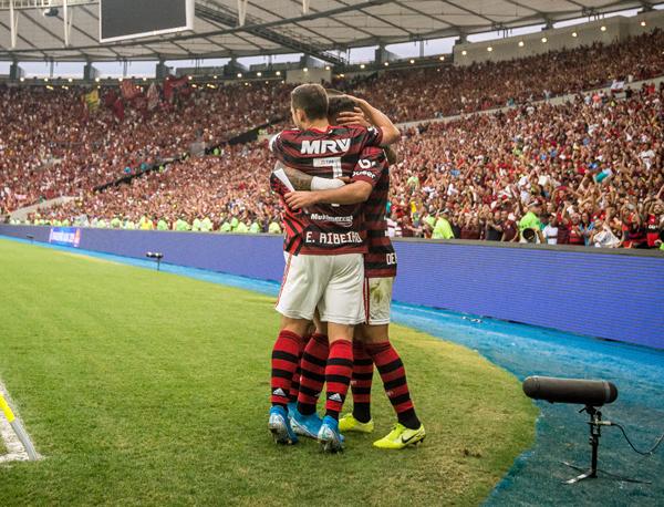 Jorge Jesus tem conseguido extrair o que cada jogador tem de melhor. Foto: Alexandre Vidal/Flamengo
