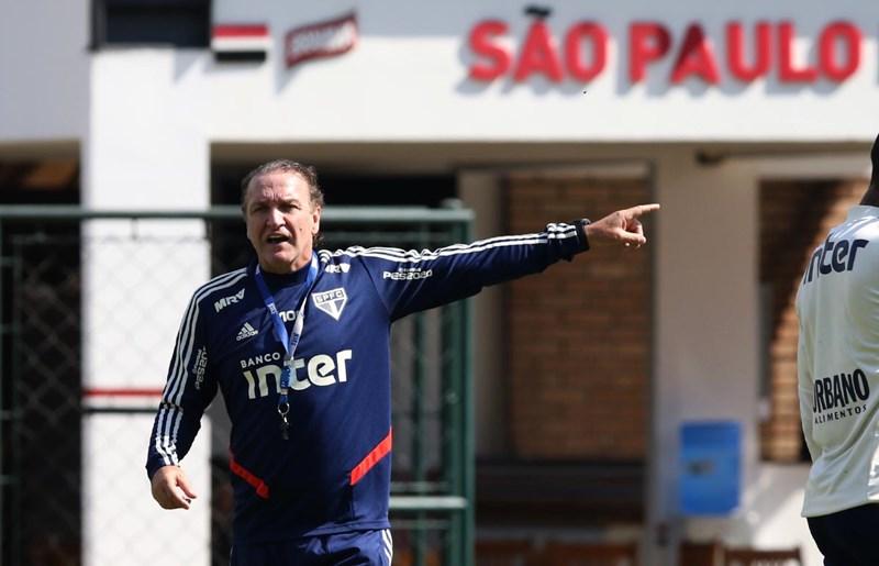 Treinador são-paulino comandou atividades no CT da Barra Funda. Foto: Rubens Chiri saopaulofc.net