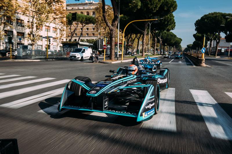 Categoria dos carros elétricos deve continuar crescendo, mas pode sofrer `baque´em futuro não muito distante. Foto: Jaguar Racing/Divulgação