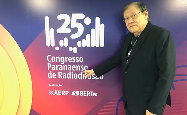 O apresentador conversou por aproximadamente duas horas com os participantes do evento