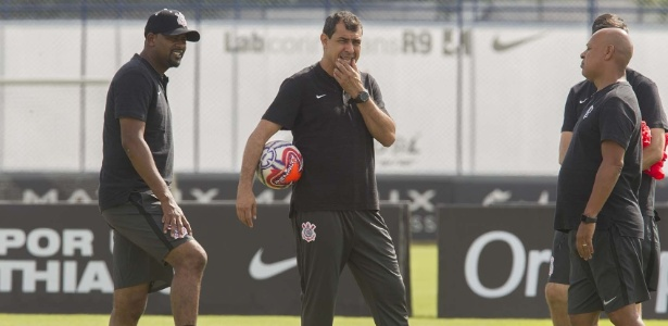 Corinthians tenta repatriar ídolo, mas clube árabe faz jogo duro