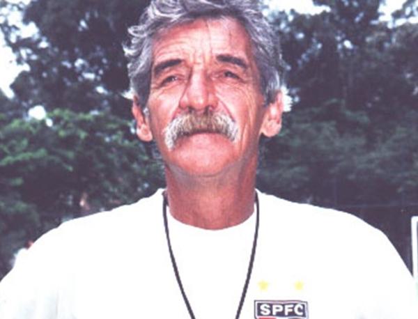 Com a camisa do Tricolor, Roberto Dias disputou 523 jogos
