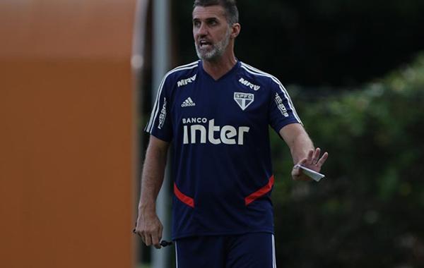 A mesma novela de sempre: a culpa é do técnico. Foto: Rubens Chiri/São Paulo FC