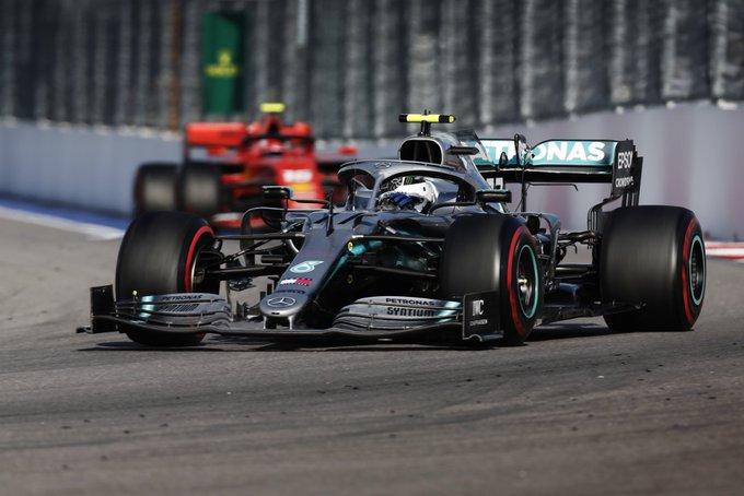 Britânico ainda contou com problema mecânico de Vettel. Foto: Mercedes-AMG F1