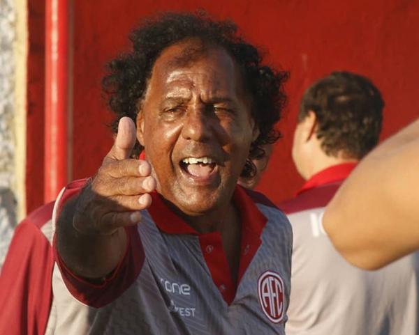 Ex-centroavante do América-RJ dirigia justamente a equipe carioca em 2019. Foto: Divulgação/América-RJ