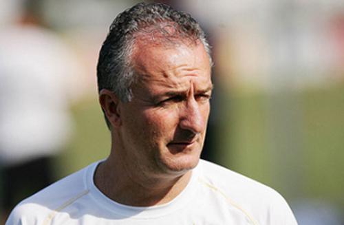 Treinador foi submetido a procedimento por conta de problema na próstata. Foto: Divulgação/Santos F.C