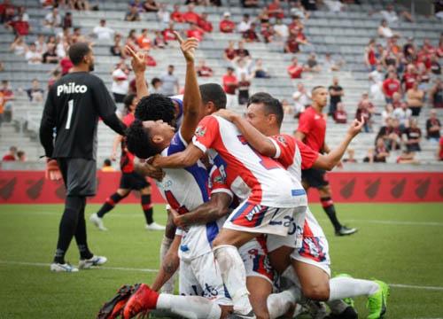 O Athletico perdeu para o Recrativo de Cascavel por 1x0, na Arena da Baixada