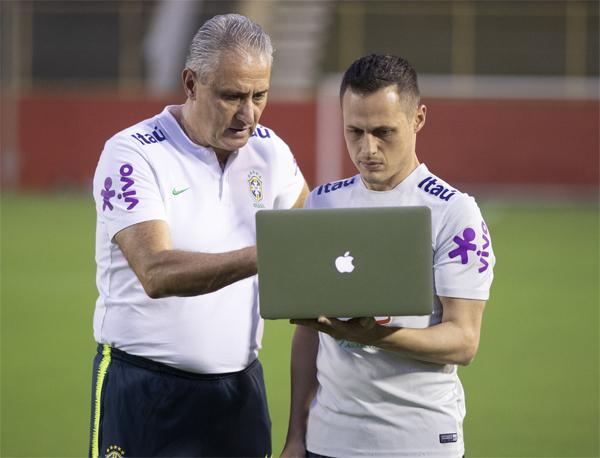Ainda em Singapura, o time comandado por Tite enfrentará a seleção nigeriana, domingo. Foto: Lucas Figueiredo/CBF