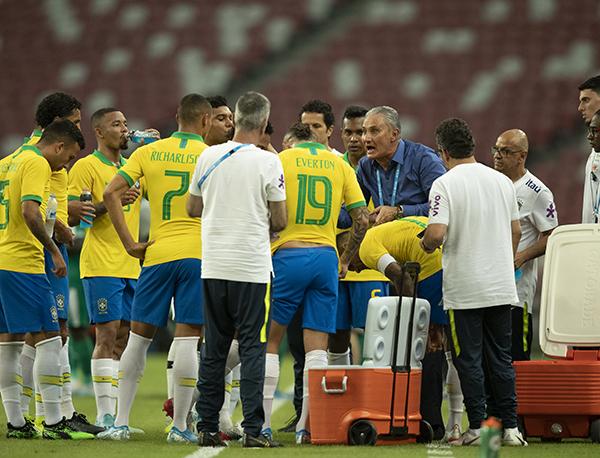 Sob o comando de Tite, Brasil chegou ao terceiro jogo consecutivo sem vitória (Lucas Figueiredo/CBF)