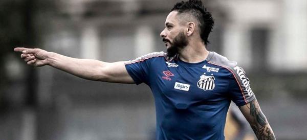 Zagueiro foi um dos destaques na vitória contra o Palmeiras. Foto: Ivan Storti/SantosFC