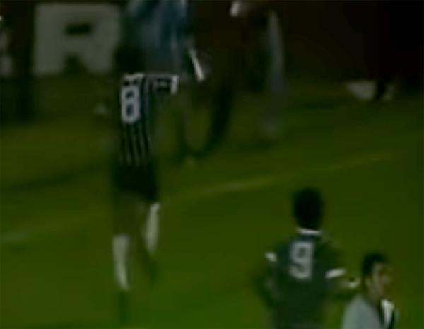 Camisa 8 alvinegro marcou o gol contra a Ponte em 13 de outubro de 1977. Foto: Reprodução/YouTube