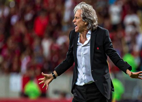 O Flamengo venceu o Athletico por 2 a 0, na 25ª rodada. (Foto: CRF)