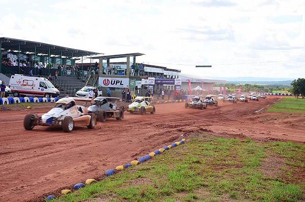 Cinco pilotos despontam como favoritos ao título na categoria Autocross. Foto: Victor Lara/Divulgação