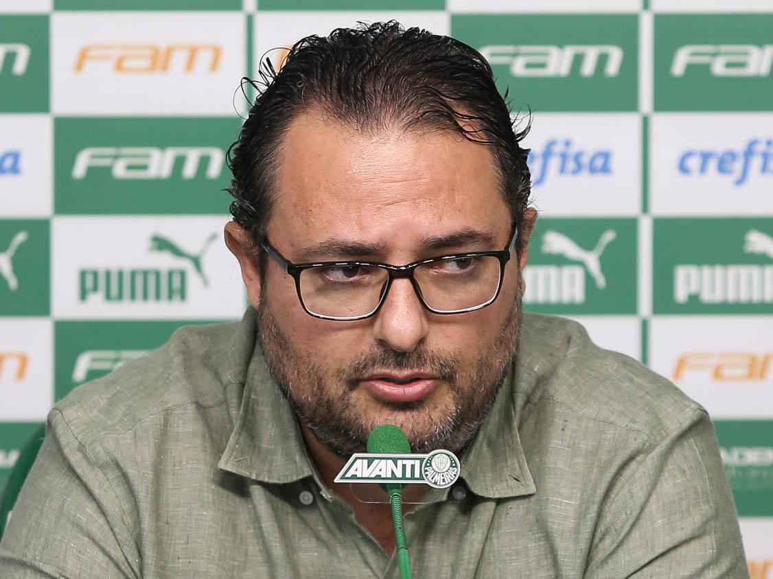 Alexandre Mattos vive momento de muita pressão no Palmeiras(Foto: Cesar Greco/Ag Palmeiras/Divulgação)