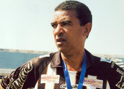 Ele residia na Bahia, onde comandava uma Escolinha de Futebol