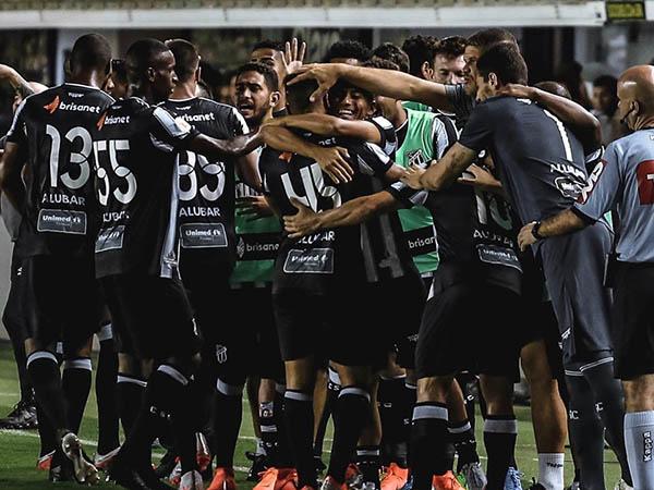 Jogadores do Ceará denunciaram atitude preconceituosa de torcedores do Santos (Felipe Santos/Ceará)