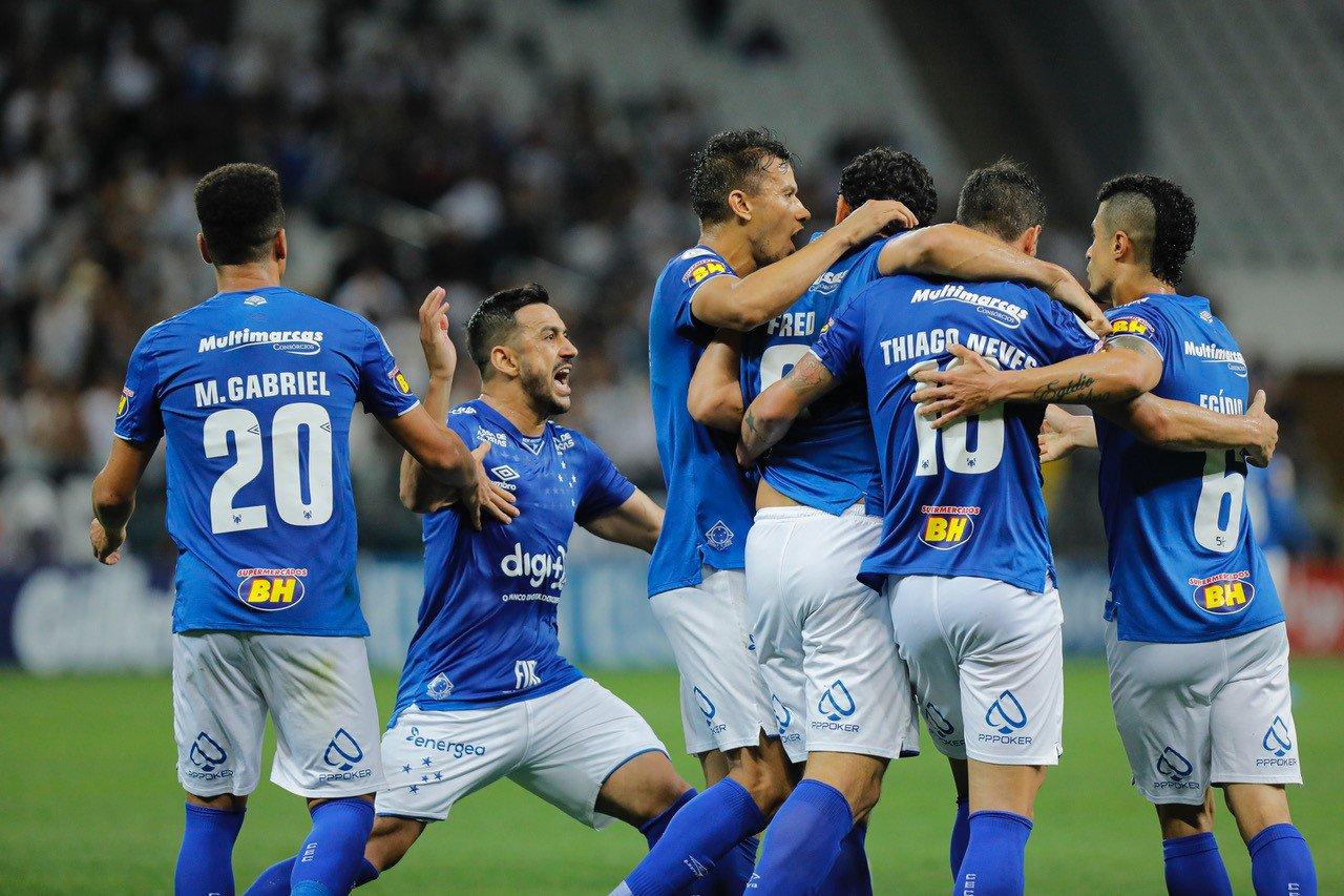 De virada, Raposa vence o Corinthians e dorme fora do Z4 (Foto: Cruzeiro/Divulgação)