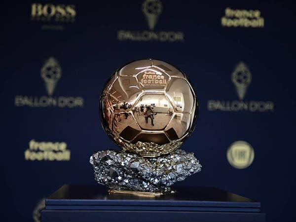 Alisson e Roberto Firmino entraram na lista de indicados ao prêmio Bola de Ouro (Foto: Divulgação