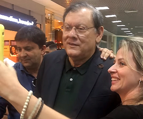 Jornalista esteve no Rio de Janeiro e se encontrou com rubro-negros. Foto: Reprodução