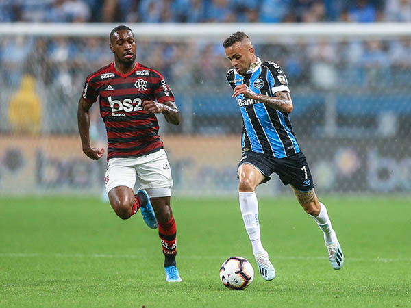 Com dúvidas nas escalações, Flamengo e Grêmio decidem vaga na final da Libertadores (Foto: LUCAS UEBEL/GREMIO FBPA)