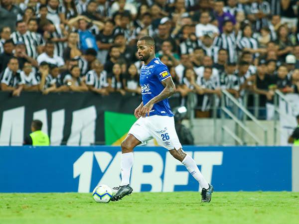 A expectativa é que Dedé volte a jogar ainda em 2019 (Foto: Foto: Pedro Chaves/ Lightpress/ Cruzeiro)