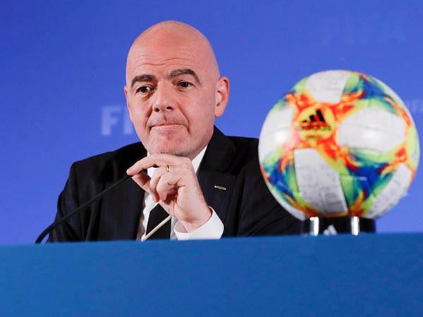 Presidente da Fifa, Gianni Infantino, festejou a oficialização do novo mundial de clubes (Foto: Fifa/Divulgação)