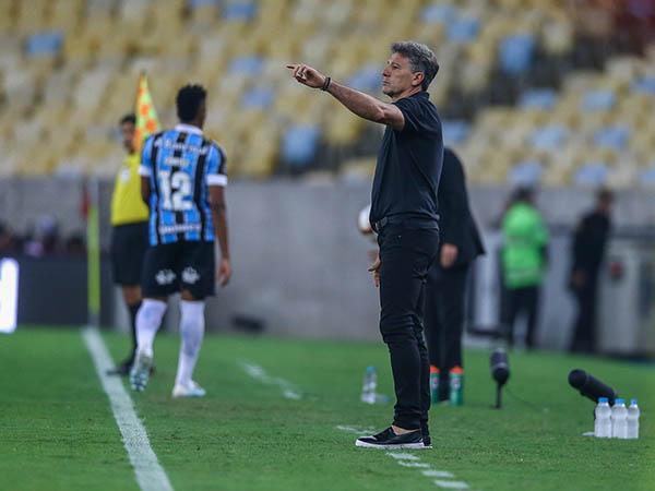 Mesmo eliminado pelo Flamengo na Libertadores, Renato recebeu confiança da direção gremista (Foto: Lucas Uebel/Grêmio)