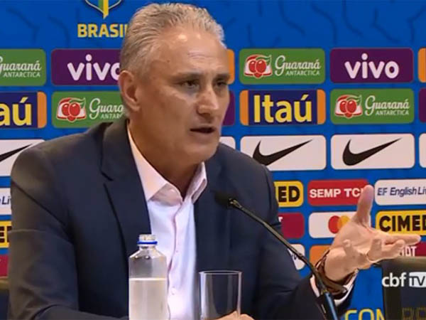 Treinador da seleção não chamou nenhum atleta que atua no futebol brasileiro (CBF TV/Reprodução)