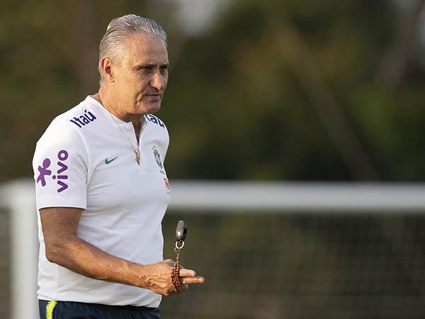Tite reconheceu momento ruim na seleção e elogiou o momento do Flamengo (Foto: Lucas Figueiredo/CBF)