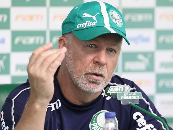 Mano destacou a dificuldade que tinha para convocar a seleção no período em que comandou a equipe (Foto: Cesar Greco/Agência Palmeiras)