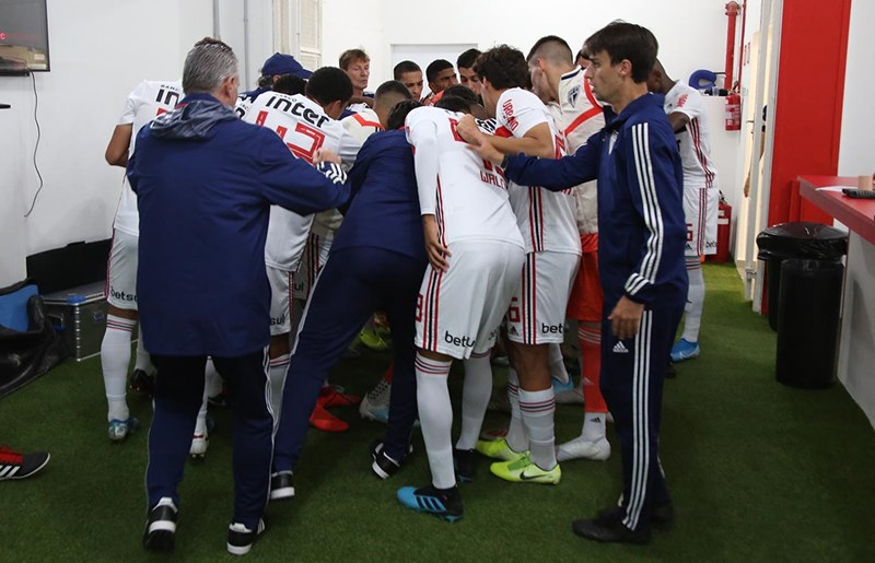 Equipe tricolor enfrenta o Atlético-MG. Foto: Rubens Chiri / saopaulofc.net