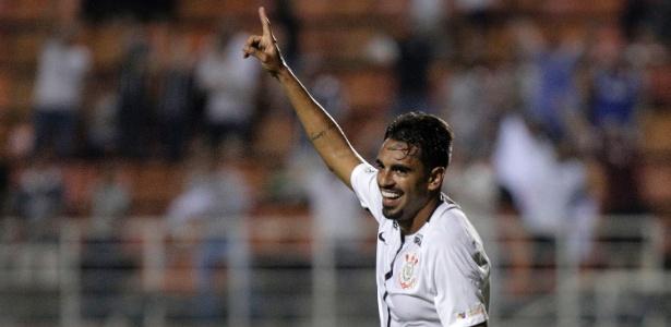 Junior Dutra tem nome aprovado no Fluminense e pode pintar nas Laranjeiras