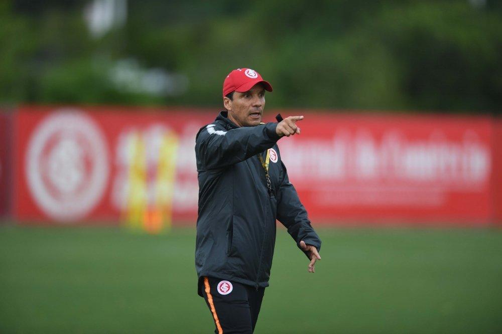O técnico Zé Ricardo poderá contar com peças importantes para o jogo desta noite. Foto: Ricardo Duarte/S.C.Internacional