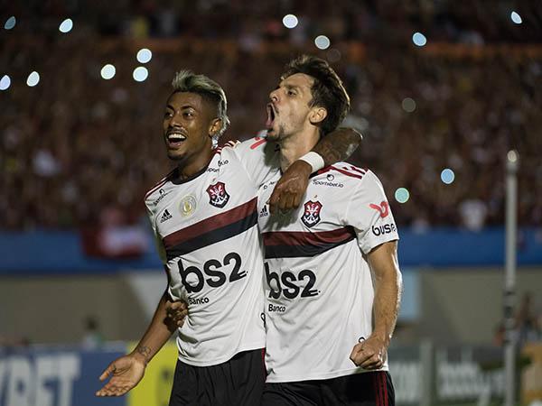 Vivendo grande momento, Rodrigo Caio está na mira do Barça (Foto: Alexandre Vidal/Flamengo)