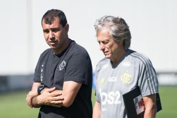 Carile e Jorge Jesus vivem momentos opostos (Foto: Flamengo/Divulgação)