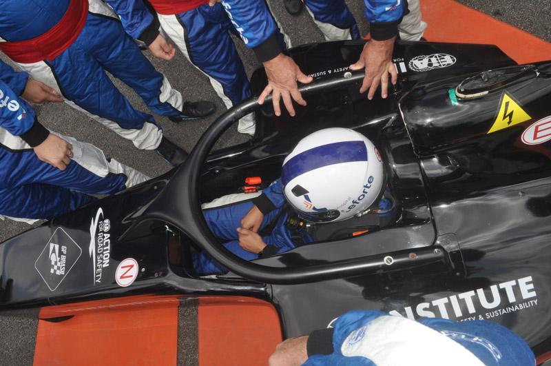 Procedimento de resgate foi um dos treinamentos realizados no autódromo paulistano. Foto: Marcos Júnior Micheletti/Portal TT