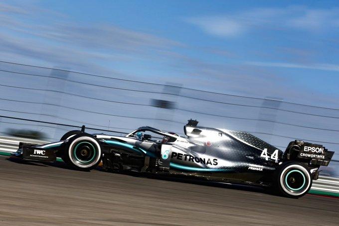 Britânico supera Fangio e fica a um título de Schumacher. Foto: Mercedes-AMG F1