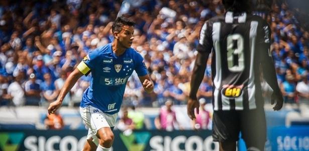 Volante cruzeirense foi bastante elogiado no clássico. Foto: Vinnicius Silva/Cruzeiro/Via UOL