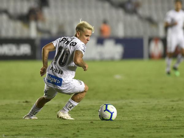 Camisa 10 marcou dois gols na vitória santista sobre o Botafogo (Foto: Ivan Storti/Santos FC)