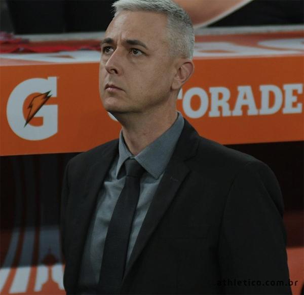 """Nota do Athletico após saída de Thiago Nunes mostra como dirigentes sentem a dor do """"não"""". Foto: Athletico/Divulgação"""
