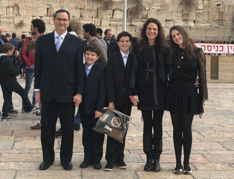 Terceiro Tempo: André Natan Nussbacher Celebra Bar Mitzvah De Seu Filho Em