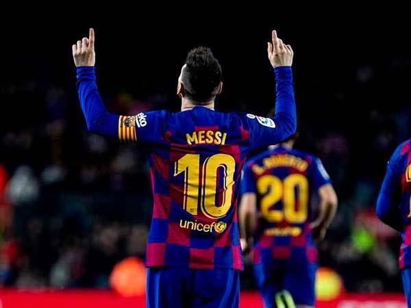 Ex-treinador do time londrino afirmou que tentou contratar Messi junto com Fábregas. Foto: Barcelona/Divulgação