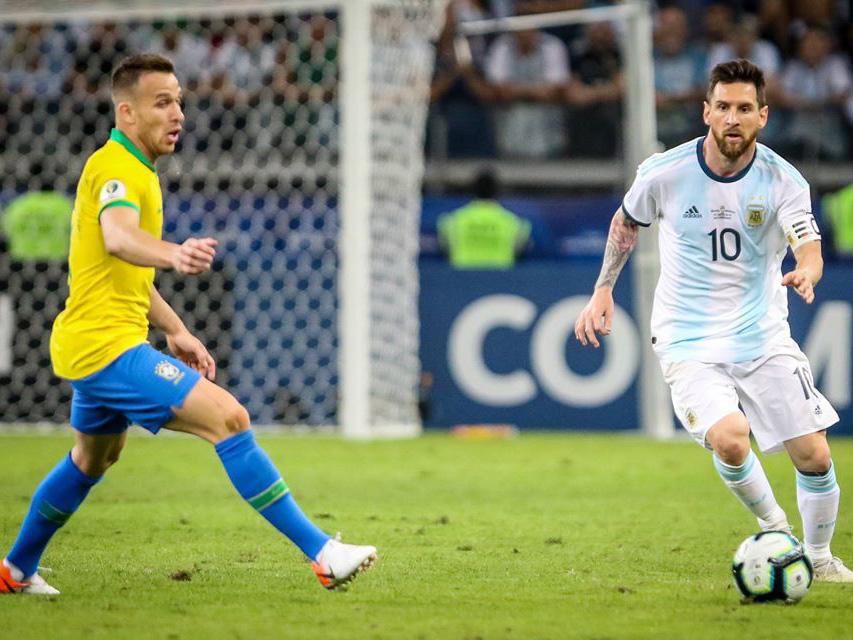 No último encontro, seleção brasileira bateu os argentinos por 2 a 0 na Copa América. Foto: Divulgação