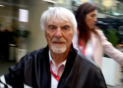 O ex-chefão da F1 continua circulando pelo paddock. Foto: Marcos Júnior Micheletti/Portal TT