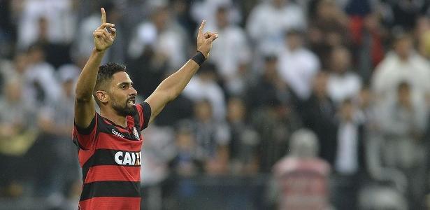 Tréllez tem contrato com o Vitória até o fim do ano e multa avaliada em R$ 10 milhões