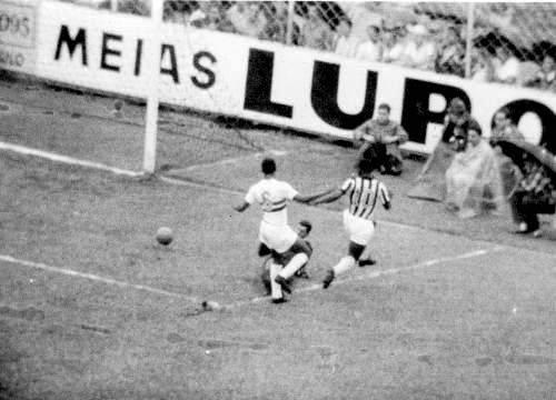 Rei do Futebol teve atuação de gala na Vila Belmiro. Foto: Divulgação
