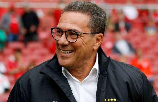 Técnico está em fase de negociação para renovar com o Vasco. Foto: Reprodução/Twitter Vasco