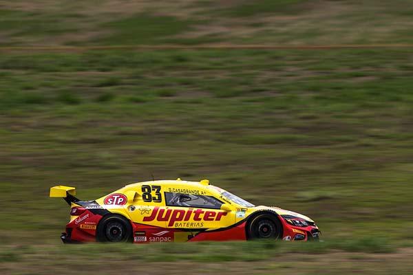 Piloto paranaense largou na pole e dominou a prova. Foto: Bruno Terena/RF1