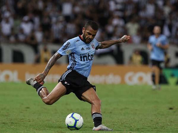 Lateral tricolor pediu confiança do torcedor na sequência do Campeonato Brasileiro. Foto: Rubens Chiri/saopaulofc.net