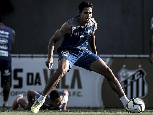 Zagueiro do Peixe ainda lamentou a saída de Autuori. Foto: Ivan Storti/Santos FC
